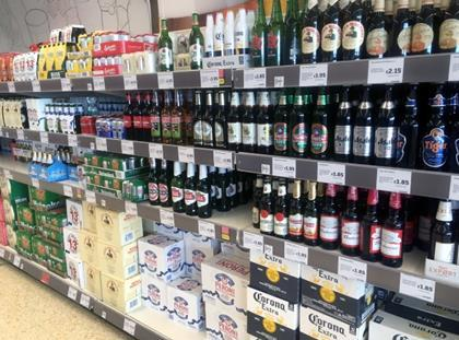 Scotland sets minimum unit price for alcohol