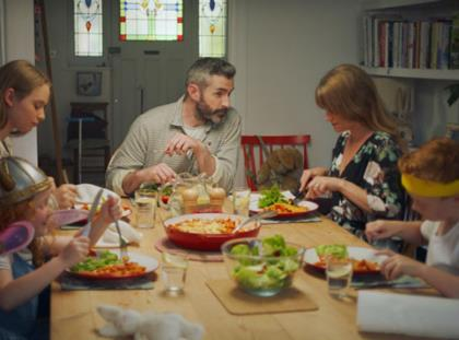 Oxo S Modern Family Return In Tv Ad For Pots And Pouches
