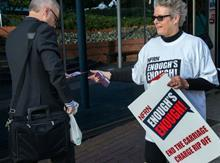 Smiths News Protest