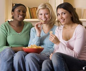 sharing crisps