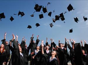 Young people graduating_graduates