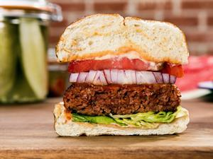beyond meat cultured meat burger