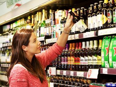 customer shopper beer aisle