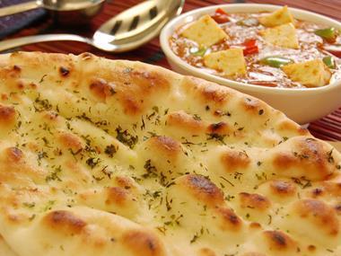 naan flat bread indian food