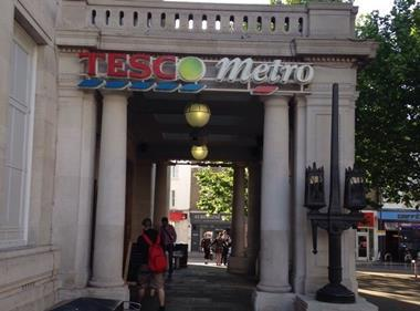 Wimbledon metro Tesco