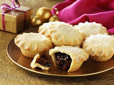 Mince pie prices crumble as mults defy Brexit fears
