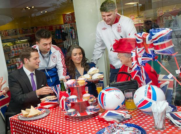 Right royal knees-up at Poundland
